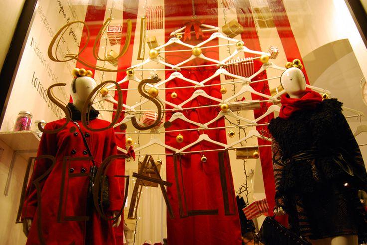 Xmas windows :: le vetrine di natale di shoptellers.