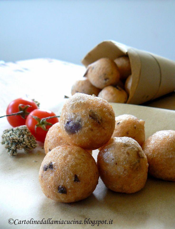 Postcards from my kitchen: pittuledde (pittule, pettole) with tomato sauce