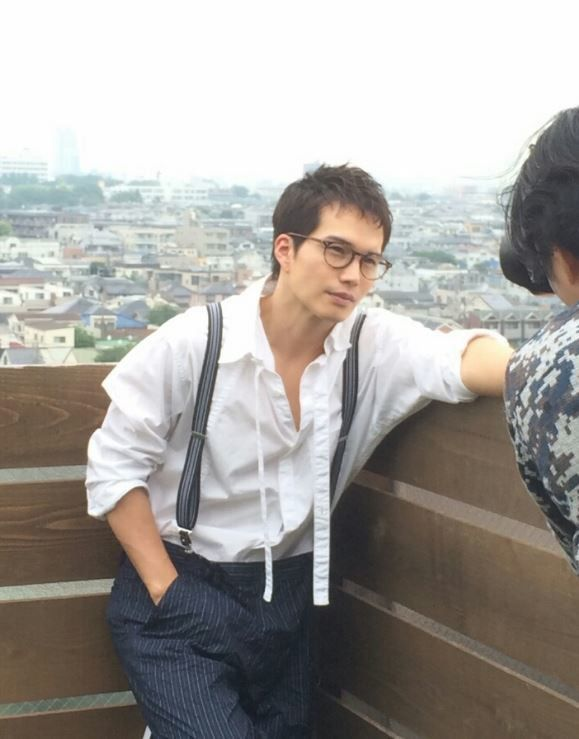 俳優の市原隼人さんの妻で、モデルの向山志穂さんのお二人が、お花見デートへ。最近、カメラに凝っているという市原さんの撮る、妻・向山さんの写真がとっても素敵でした。