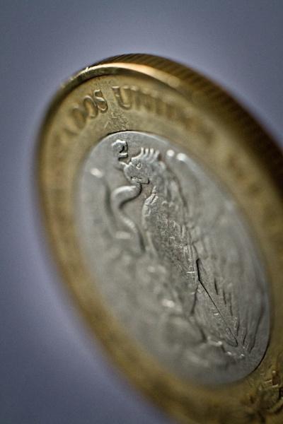Moneda mexicana by el_katana
