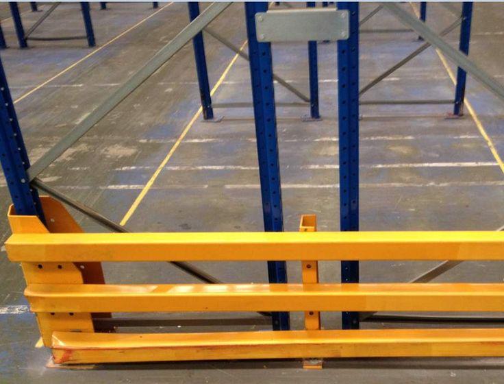 Heavy duty rack protection around esmena pallet racking