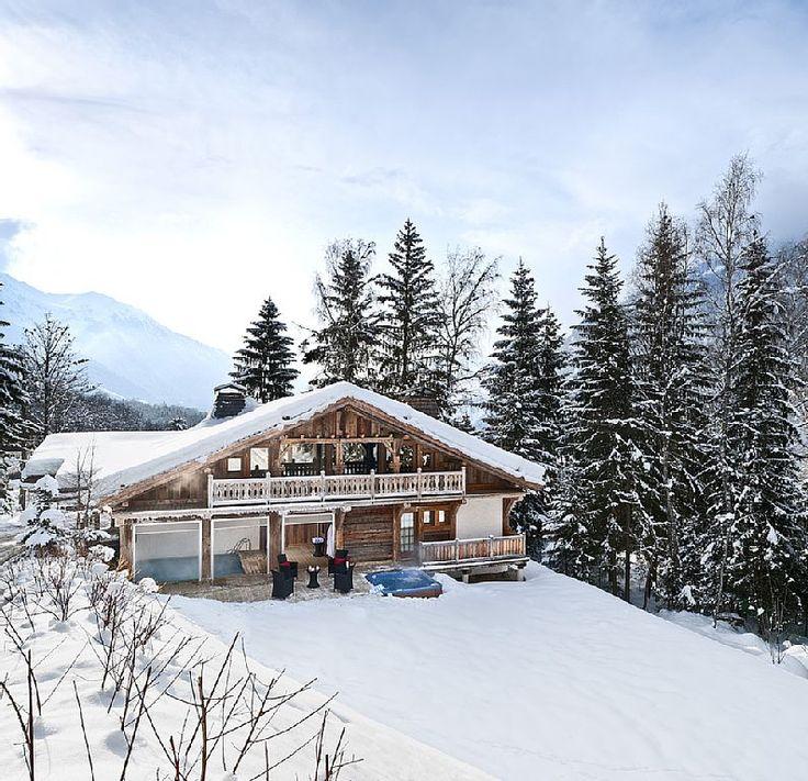 Chalet de esquí para 10 en Francia #nieve #montaña #alpes #travel #viajar #invierno #HomeAway