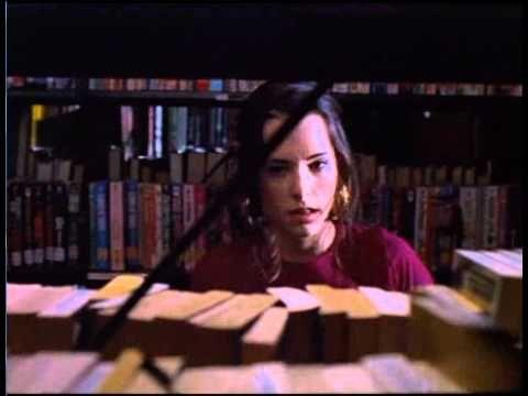 """Party Girl (1995) = Una chica divertida / Daisy von Scherler Mayer. Mary descubre el sistema decimal Dewey   -- """"¡Quiero ser bibliotecaria!"""""""