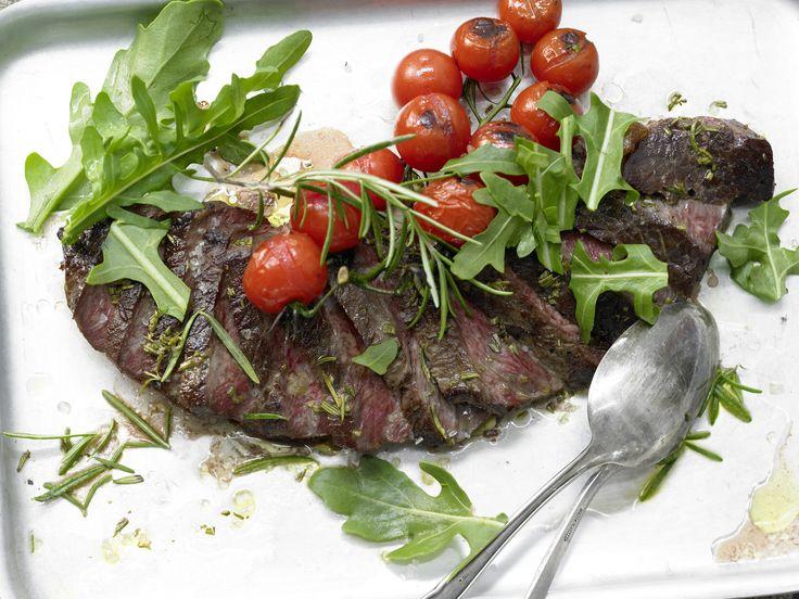 Rumpsteak mit Tomaten - und Rucola - smarter - Kalorien: 422 Kcal - Zeit: 30 Min. | eatsmarter.de