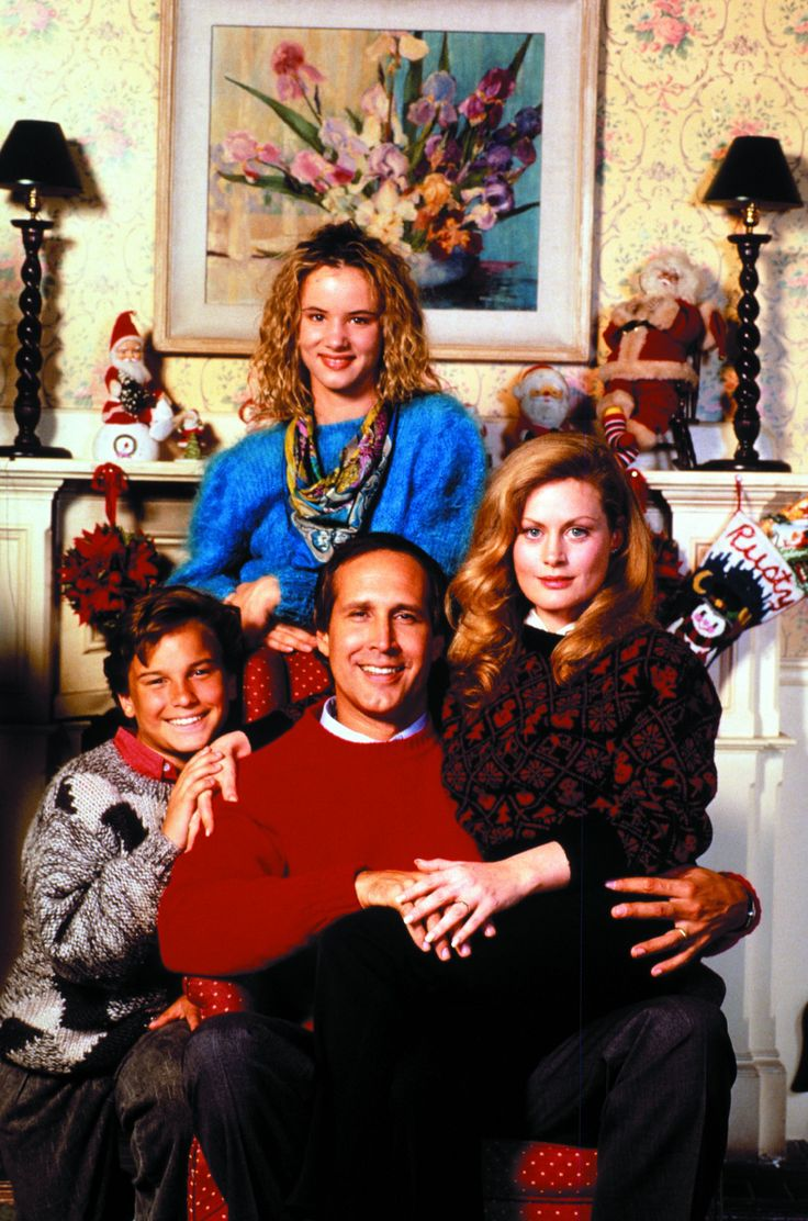 """""""National Lampoon's Christmas Vacation"""" promo still, 1989.  L to R: Johnny Galecki, Juliette Lewis, Chevy Chase, Beverly D'Angelo."""