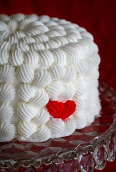 cool: Cakes Frostings Techniques, Valentine Cake, Frostings Techniques For Cakes, Cute Idea, Cakes Recipe, Red Heart, Cakes Decoration Frostings, Cakes Idea, Heart Cakes