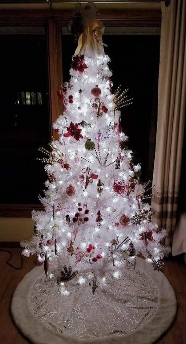 40 Awesome Christmas Tree Decoration Ideas For New Year 2019 Page