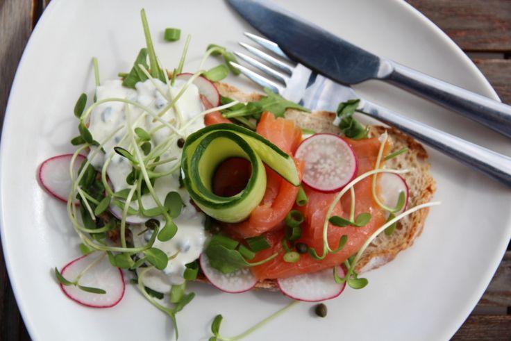Laksesmørbrød fra @trines-matblogg. #lunsj #fisk #oppskrift #smørbrød