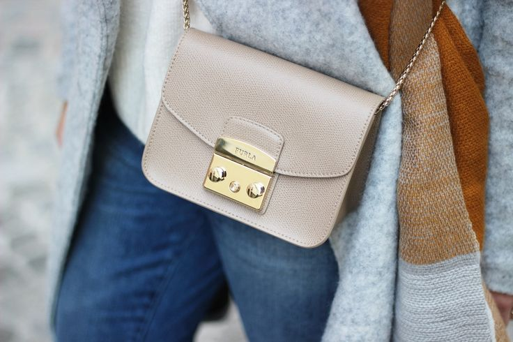 FURLA Metropolis bag in nude