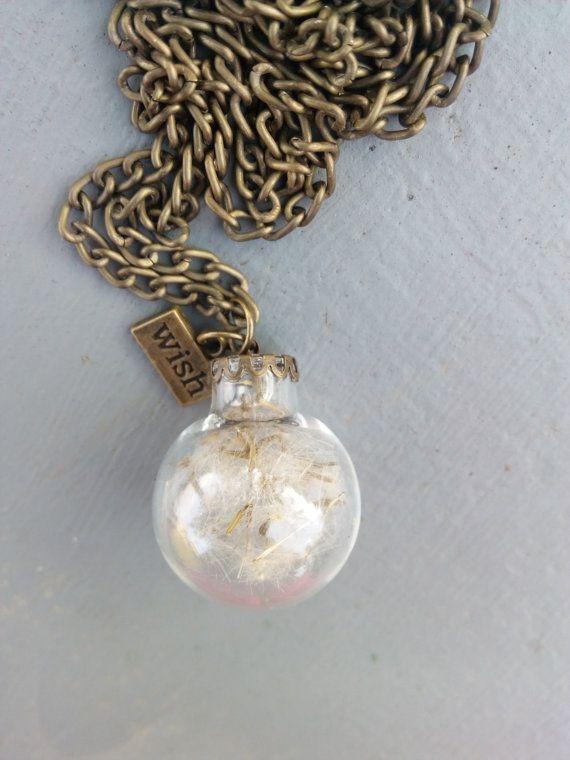 Guarda questo articolo nel mio negozio Etsy https://www.etsy.com/listing/491229927/real-dried-dandelion-seeds-in-a-glass