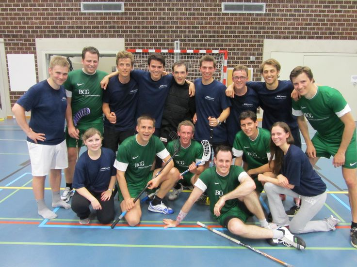 """BCG'ers challenged the ETH juniors in a game of floorball (""""Unihockey""""). Who do you think won? ;-)"""