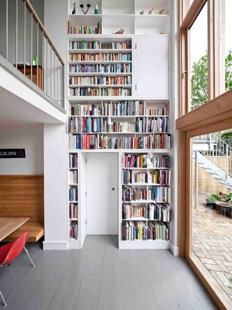 Kilburn Nightingale remodels Hackney townhouse and adds sweet-chestnut joinery #bookshelf #bibliotheque