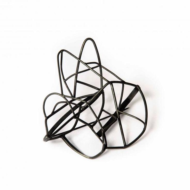 "Zeta Tsermou  ""Inner core II"" brooch - oxidised silver  | Gallery Marneri"