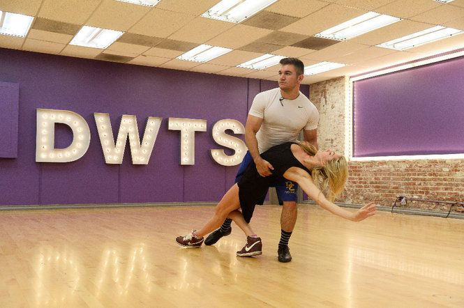 "Roseburg's Alek Skarlatos, who was hailed as a hero when he helped stop a suspected terrorist attack on a French train, takes on a new challenge Monday night, in the ""Dancing with the Stars"" Season 21 premiere."
