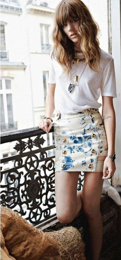 model off duty fashion  tee & bodycon skirt