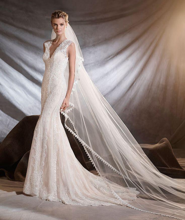 OSIRIS - Robe de mariée en guipure et dentelle de Chantilly à taille basse