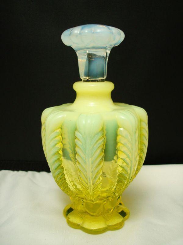 Oh man!!! VINTAGE FENTON YELLOW VASELINE GLASS PERFUME BOTTLE MINT | eBay