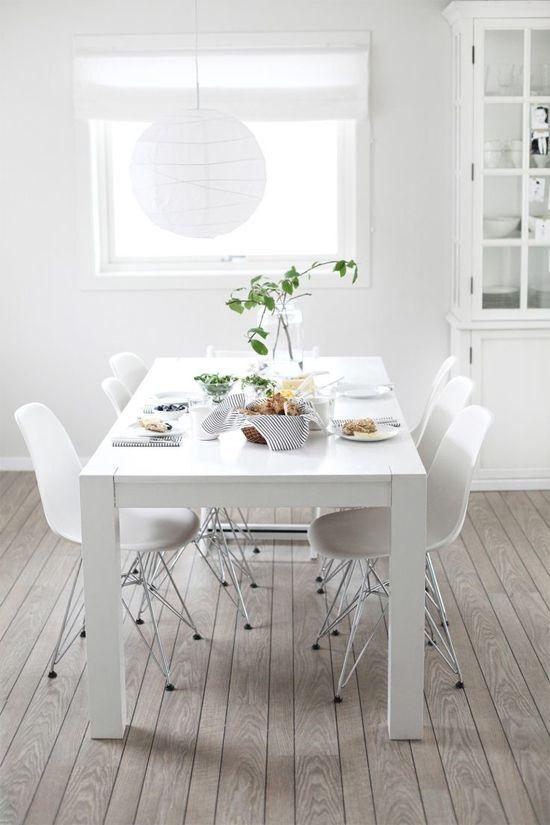 Meer dan 1000 idee n over laminaatvloer op pinterest vloeren vinyl vloerbedekking en brede plank - Tafel en witte stoelen ...
