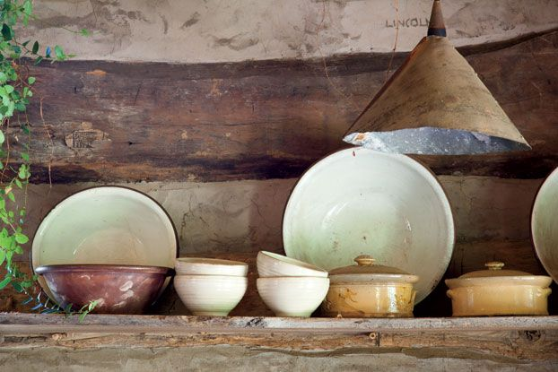Ceramic pottery with great earth tone colors.
