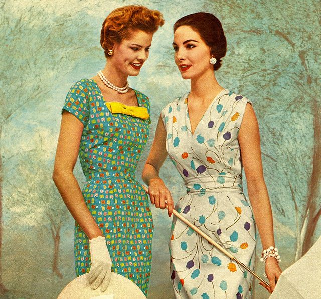 50s sheath dress floral dots green blue white Two beautiful floral prints for summer, 1954. #vintage #1950s #dresses