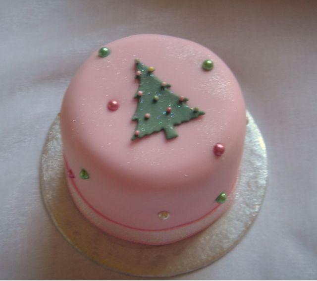 https://www.cakepicturegallery.com/d/17021-3/Mini+Christmas+tree+fruit+cake +in+light+pink.PNG in 2020   Mini christmas cakes, Christmas cake, Christmas cakes pictures