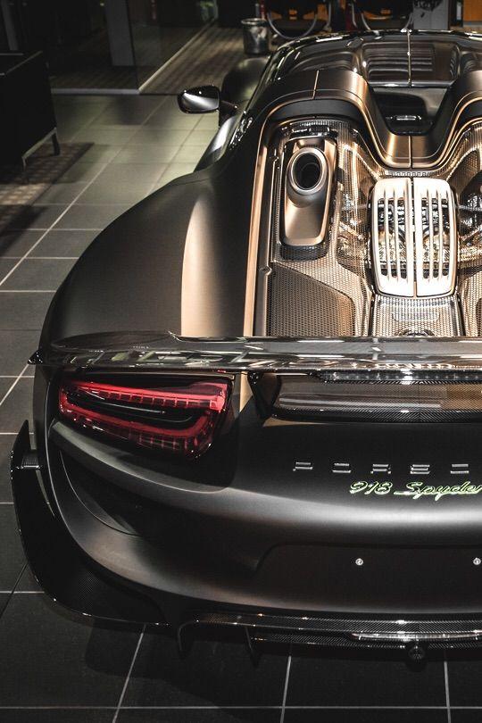 Porsche 918 Spyder.......