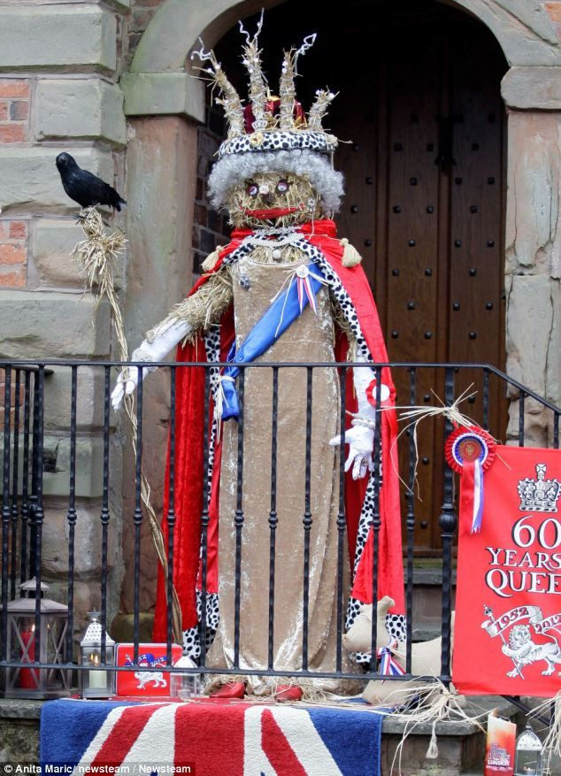 Queen's Jubilee: A competitor made a scarecrow of the Queen, complete with a floor-length gown and white gloves
