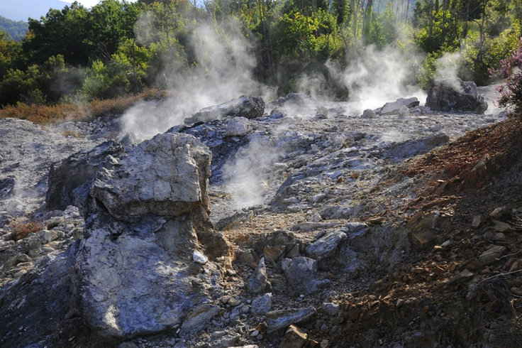 The vapor geysers in Upper Cecina Valley - Tuscany #volterratur