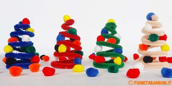 Lavoretto alberelli di Natale con scovolino e pon pon