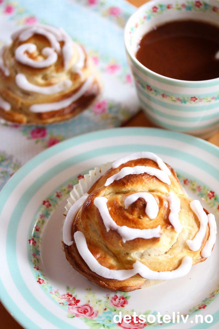 Roseboller med vanilje og sitronglasur | Det søte liv