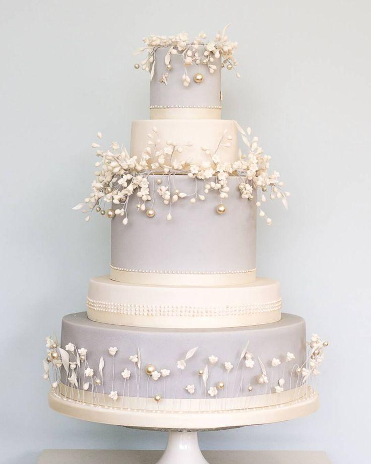 #cake_album #weddingcakes #weddingdress #naijawedding #nigerianwedding #norazcuisine #instagood #foodpics #cakes http://gelinshop.com/ipost/1518809018529106370/?code=BUT5MFfFknC