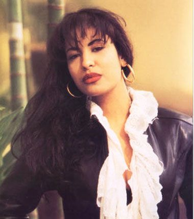 We may have lost the beautiful and talented Selena Quintanilla back in 1995, but she will forever live on in our hearts through her music! Here are 7 stars who have paid homage to the singer through song covers.