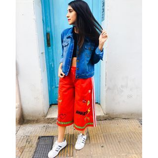 Que lindo clima el de este martes que aunque hubiese nevado yo me hubiese estrenado este pantalon de la colección Dream Awaken de #Pharrell de todos modos ❤️ ya esta en Argentina y toda la colección es literalmente un sueño hecho ropa! #fashion #look #style #ootd #outfit
