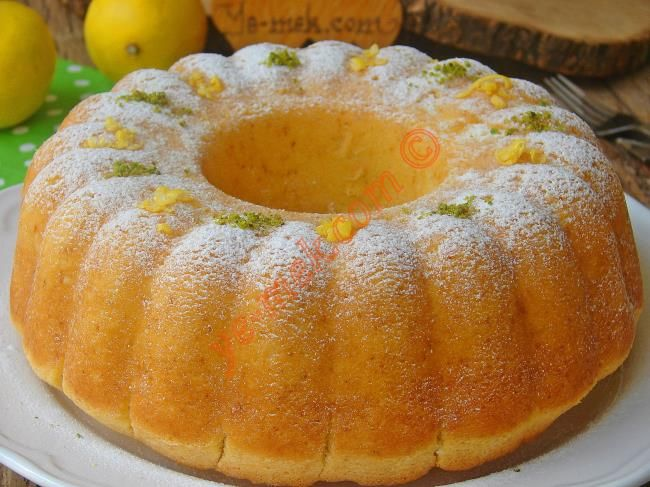 Pamuk gibi yumuşacık, limon aromalı lezzetine doyamayacağınız nefis bir kek tarifi...