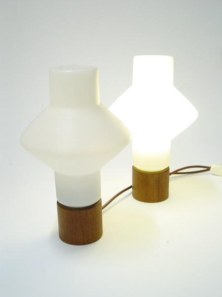 TAPIO WIRKKALA – TABLE LAMP 001 – A-STUDIO, Finland  Prototype series early 1960s. Plastic and teak. http://www.designdealers.fi
