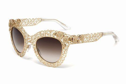 Occhiali da sole barocchi dorati; Dolce & Gabbana | Gli occhiali da sole sono gli #accessori estivi per eccellenza: icone di stile e moda! #style