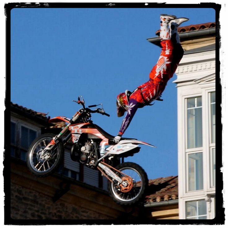 Saltos con motos