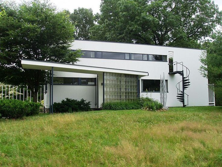 An Urban Cottage: Walter Gropius House: Gropius Houses, Architects, Good Home-Coming, Built In, Arches, Walter Gropius, Modern Houses, Bauhaus, Digital Camera
