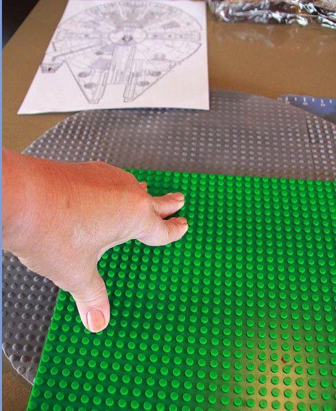10.-Giving-the-cake-board-the-Lego-look-1mb @Nicole Novembrino Novembrino Roberts