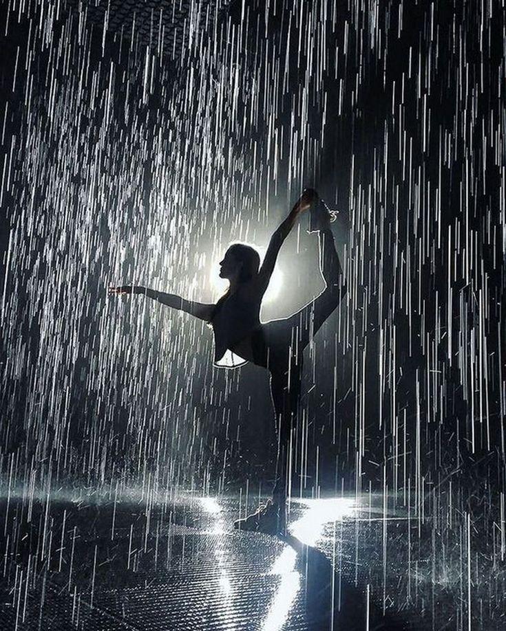 Прогулка в дождливую погоду анимация картинки судя