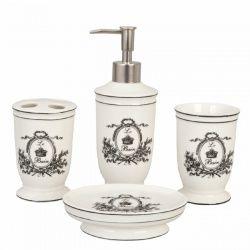 Mooie badkamerset van Clayre & Eef. Het ontwerp van de badkamerset is klassiek en landelijk. De badkameraccessoires hebben een rustieke uitstraling. Een prima accessoireset voor de badkamer, toilet of keuken. Deze set heeft de opdruk Le Bain (het bad)  De 4-delige badkamerset bestaat uit: * Zeeppomp, * Tandenborstelbeker, * Zeepschaal, * Beker  Afmetingen: Zeepdispenser 20 cm hoog, doorsnede 6,5 cm Zeepschotel 12,5 x 12,5 x 2,5 cm, Beker 11,5 cm hoog, doorsnede 6,5 cm, Tandenborstelhouder…