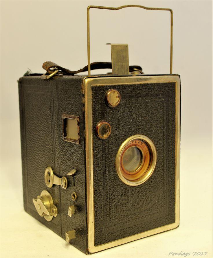 Eho-Altissa: Eho Box (6x9) Model 195 - Eho Duplar Capelli - c1930s