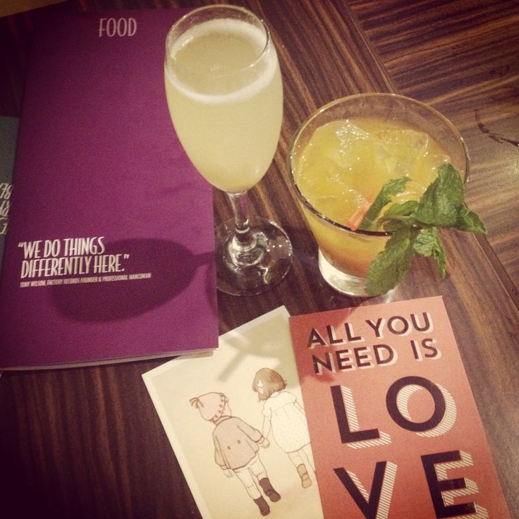Valentine's Day at the airport | cocktails and fizz