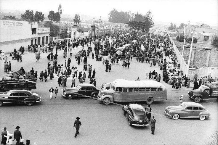 Celebración del día de los santos difuntos (1947) - I love Bogotá - Facebook