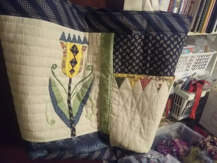 Tulip time bag from Quilter's Companion magazine