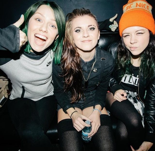 Jenna McDougall (Tonight Alive) Lynn Gunn (PVRIS) Tay Jardine (We Are The In Crowd)