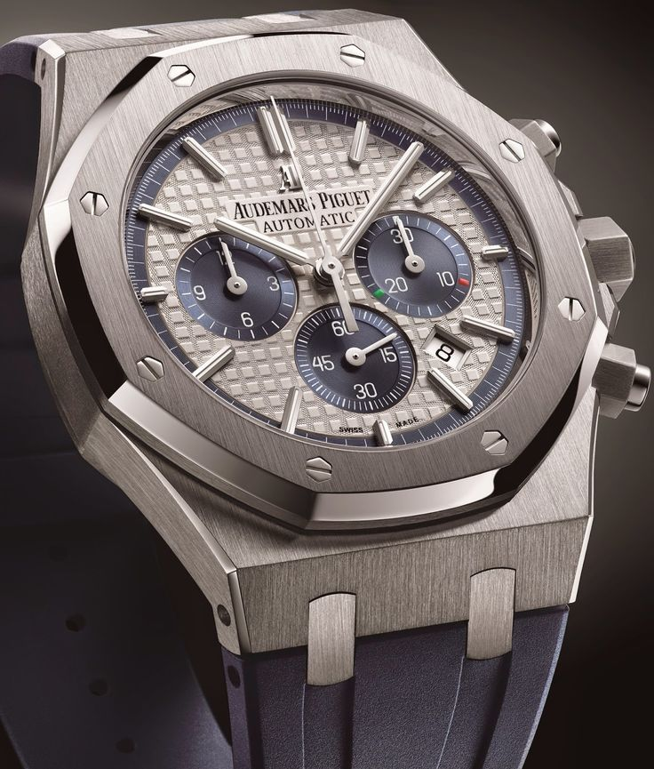 Audemars Piguet - Royal Oak Chronograph in Limited Edition. Tribute to the Italy.  #AudemarsPiguet #watches #luxury
