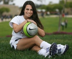 PREP GIRLS SOCCER Torrey Pines' Bailey sets herself above the rest of the crowd