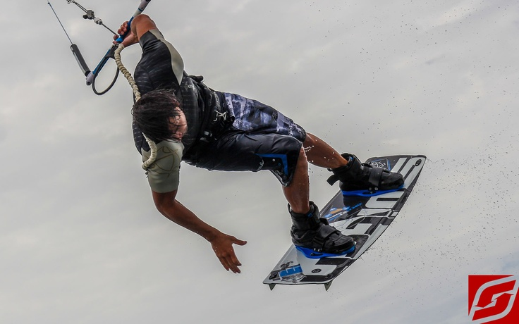 Switch Kites   #Kitesurfing #Kiteboarding #SwitchKites #wakeboarding #marcjacobs