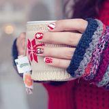 ほっこり可愛らしい「マグカップセーター」をご存じですか?保温効果があるので、いつまでも温かいドリンク楽しめますよ?海外では定番のマグセーターについてご紹介します。   Clipersは女性向けキュレーション×2マガジンです。